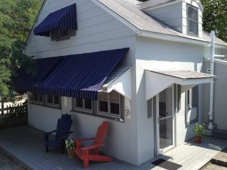 Nice 2 bedroom Beach Haven Cottage with Deck - Beach Haven vacation rentals