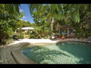 Convenient 4 bedroom House in Clifton Beach - Clifton Beach vacation rentals