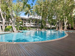 Nice 1 bedroom House in Palm Cove with Deck - Palm Cove vacation rentals