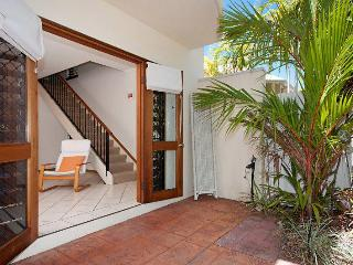 Nice 2 bedroom Palm Cove House with A/C - Palm Cove vacation rentals