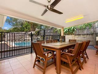 4 bedroom House with Garage in Kewarra Beach - Kewarra Beach vacation rentals