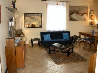 Appartamento Cascina Tafella Vacanze Short Lets - Sirmione vacation rentals