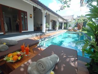 Villa Avani - airport trans / breakfast included - Seminyak vacation rentals