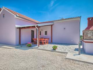 "Holiday house ""Nina & Tea"" - Valtura vacation rentals"
