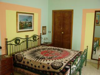 Bright 4 bedroom Vacation Rental in Sulmona - Sulmona vacation rentals