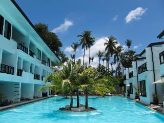 Townhouse with pool access on Long Beach Koh Lanta - Ko Lanta vacation rentals
