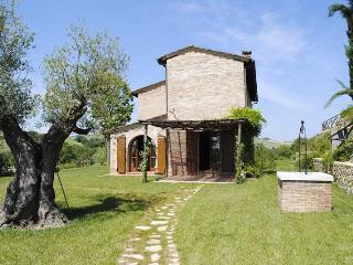 Cozy 3 bedroom Montepulciano Villa with Internet Access - Montepulciano vacation rentals