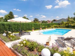 Ferienwohnung 3 im Gästehaus Lehne - Boffzen vacation rentals
