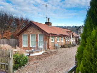 Wonderful Cottage with Internet Access and Hot Tub - Mickleham vacation rentals