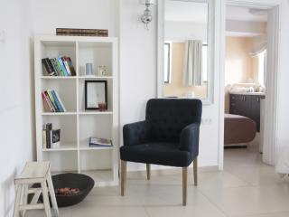 BHouse - Rooms for rent - suite - up to 6 sleeps! - Tel Aviv vacation rentals