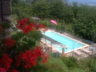Nice 2 bedroom Pozzo di Mulazzo Farmhouse Barn with Internet Access - Pozzo di Mulazzo vacation rentals
