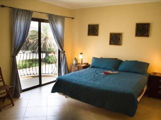 3 Bedroom Townhome - Diamante 121 - Noord vacation rentals