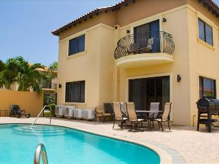 4 Bedroom Villa - Diamante 158 - Noord vacation rentals