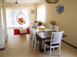 2 Bedroom Townhome Deluxe - Diamante 76 - Noord vacation rentals