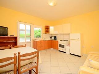 Nice Studio with Internet Access and Microwave - Supetarska Draga vacation rentals
