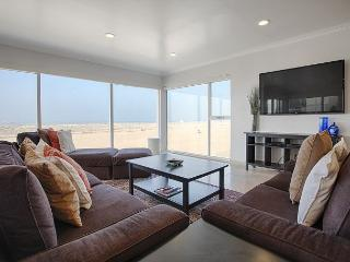 Beautiful Condo Right on the Beach Just South of Venice Pier - Marina del Rey vacation rentals
