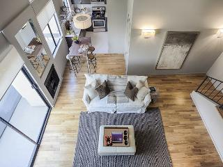 Ultra Modern 2 Bedroom Loft only steps to UCLA - Westwood  Los Angeles County vacation rentals