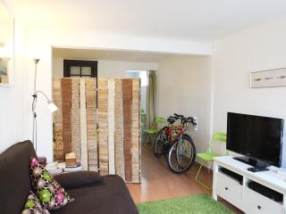Studio in Belém w/ WIFi + 2 bikes + easy parking - Lisbon vacation rentals