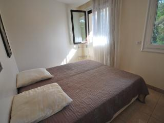 Modern 3 bedrooms apartment near the Carlton - Cannes vacation rentals