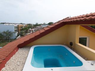 Condo lumineux sur la 5ème avenue - Playa del Carmen vacation rentals