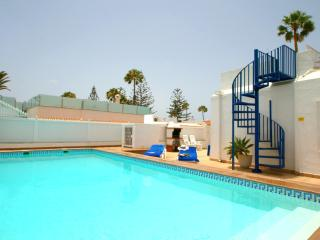 Beautiful Villa with Internet Access and A/C - Playa del Ingles vacation rentals