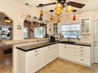 AMICoastal Rentals Cracker Cottages - Sea Stories - Bradenton Beach vacation rentals