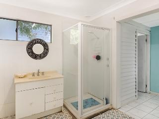 JUST LISTED - Budgewoi Cottage - The Entrance vacation rentals
