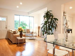 Great 2 bedroom home on corner lot just steps from Abbot Kinney - Venice Beach vacation rentals
