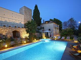 Lovely 6 bedroom Villa in Vis with Internet Access - Vis vacation rentals