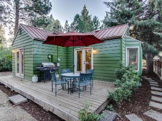 Convenient, refurbished, picturesque cottage near trails and the center of town - Sisters vacation rentals