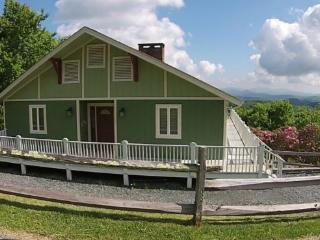 Alpine Lodge Location: Appalachian Ski Mtn / Between Boone & Blowing Rock - Boone vacation rentals