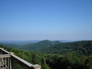 Blowing Rock Getaway (BRV 14) Location: Blowing Rock - Boone vacation rentals