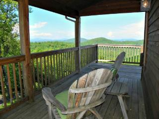 Amazing View Location: Appalachian Ski Mtn / Between Boone & Blowing Rock - Boone vacation rentals