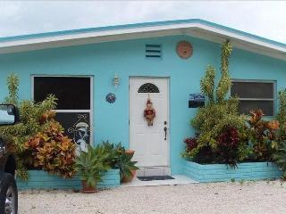 Cottage, Boat Dock,Deep Canal,Pool,Hot Tub - Islamorada vacation rentals