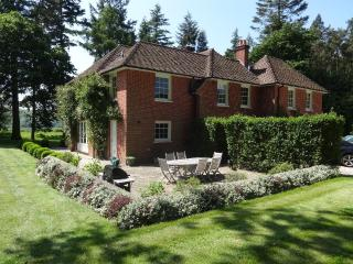 New Isle House near Highclere Castle, Berkshire - Newbury vacation rentals