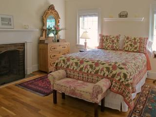 1 bedroom Bed and Breakfast with Internet Access in Charlottesville - Charlottesville vacation rentals