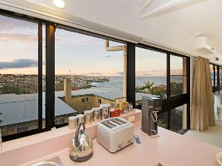 BRONTE Pembroke Street - Bronte vacation rentals