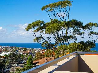 CLOVELLY Clovelly Road .230. (1 month min) (I) - Clovelly vacation rentals