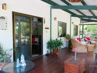 Cool Waters Holiday House, 59 Apjohn Street, Horseshoe Bay, Horseshoe Bay - Horseshoe Bay vacation rentals