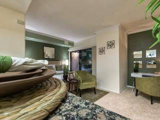 Beautiful Studio near Staples, Convention Ctr. - Los Angeles vacation rentals