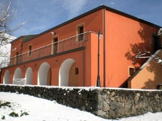 5 bedroom Bed and Breakfast with Internet Access in Moio Alcantara - Moio Alcantara vacation rentals
