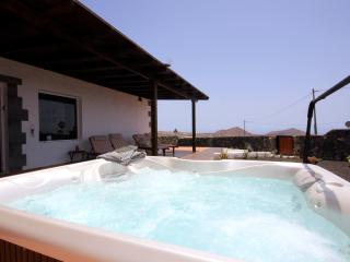 Holiday Cottage Finca Aloe * Jacuzzi & Sea views - Lanzarote vacation rentals