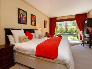 V&A WATERFRONT - 24/7 security, pool,shopping mall - Cape Town vacation rentals