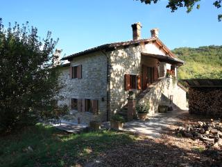 Charming 2 bedroom Bed and Breakfast in Gubbio - Gubbio vacation rentals