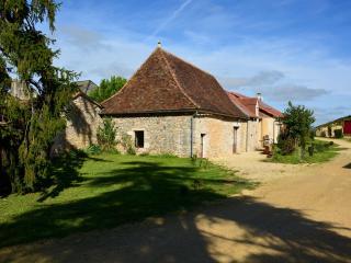 Domaine des Ormeaux Gite Jeanne - Ajat vacation rentals