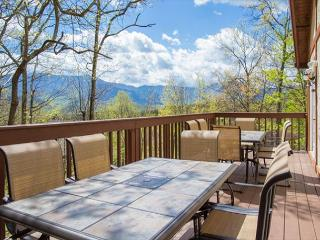 4-Bedroom Gatlinburg Chalet with Views! Crazy Summer Special from $169!!! - Gatlinburg vacation rentals