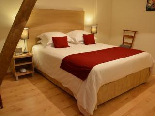 Domaine des Ormeaux Gite Adèle - Ajat vacation rentals