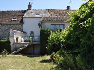 Gîte à la ferme - La Grand' Borne - Semur-en-Auxois vacation rentals