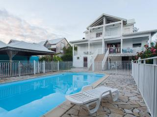 Beautiful apartment in Sainte Anne, Guadeloupe, with a balcony and sea views - Varzy vacation rentals
