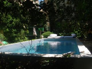 Exceptional Guest House Historic Center 20m² - Avignon vacation rentals